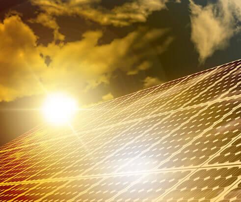 Sistemas de Energia Solar Off-Grid para Equipamentos de Segurança Eletrônica